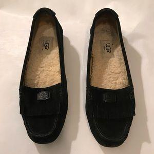 Black Leather UGG Loafer Moccasins size 7